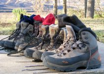 how to maintain hiking boots